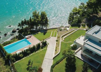 Villa in Greece-3